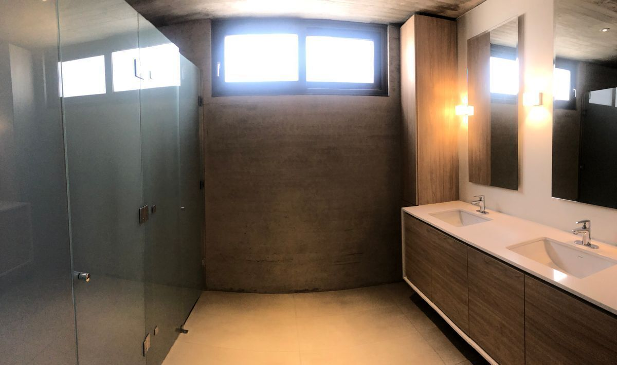 22 de 22: Baño en suite dormitorio principal