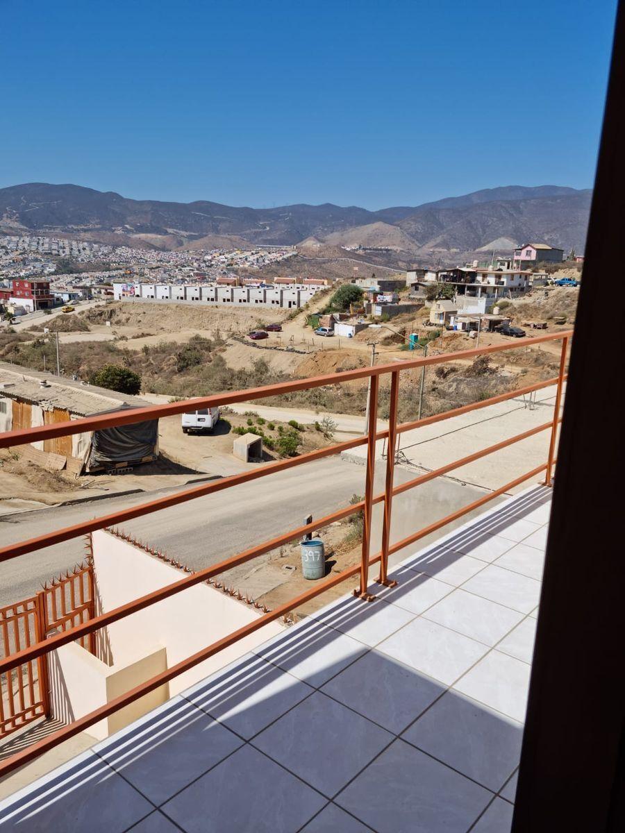 19 de 34: Balcón de recámara principal