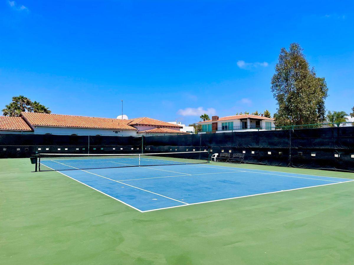 33 de 40: Cancha de tenis