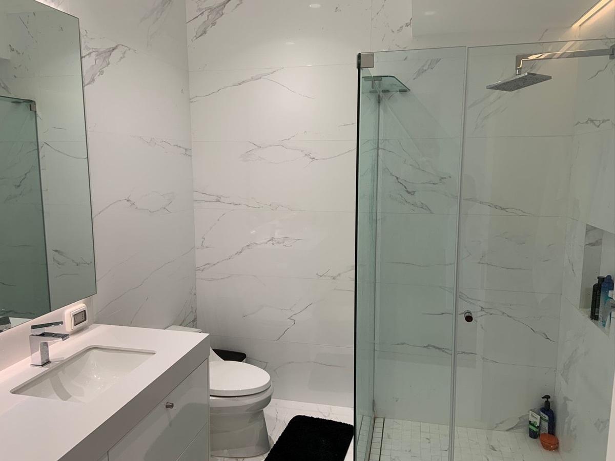 11 de 31: Baño principal
