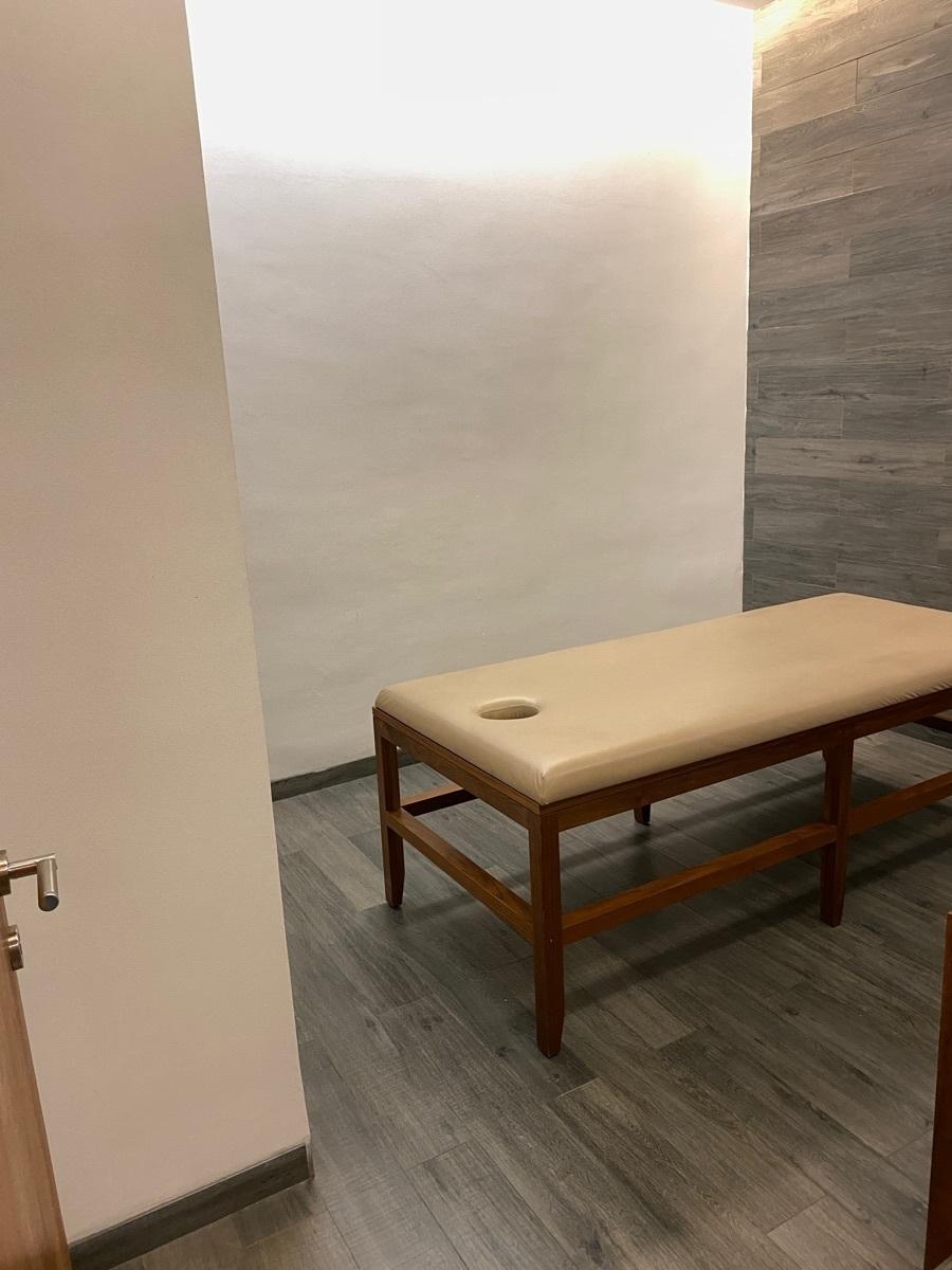 34 de 42: Sala de masaje
