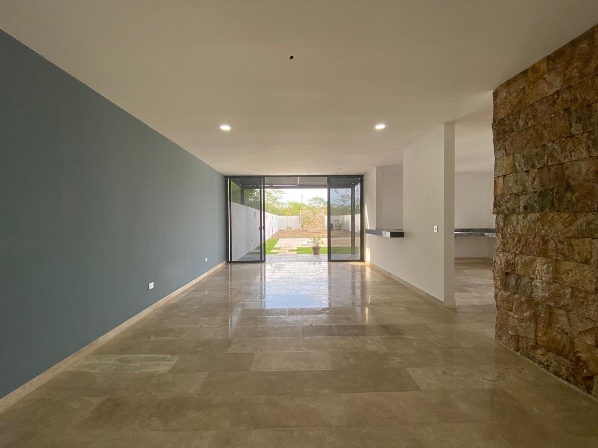 2 de 17: casa en venta en Temozon nueva en Merida, Yucatan,