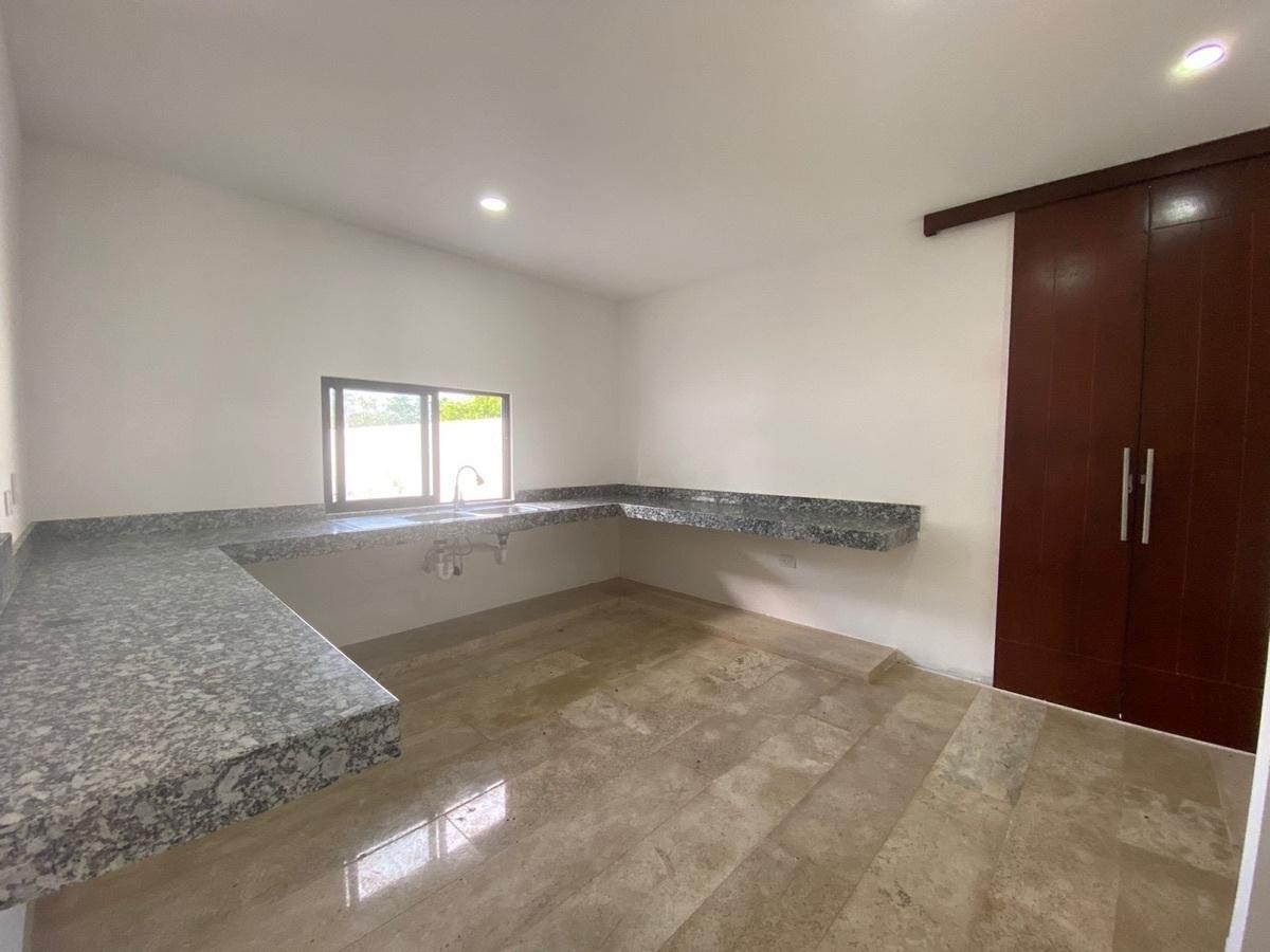 3 de 17: casa en venta en Temozon nueva en Merida, Yucatan,