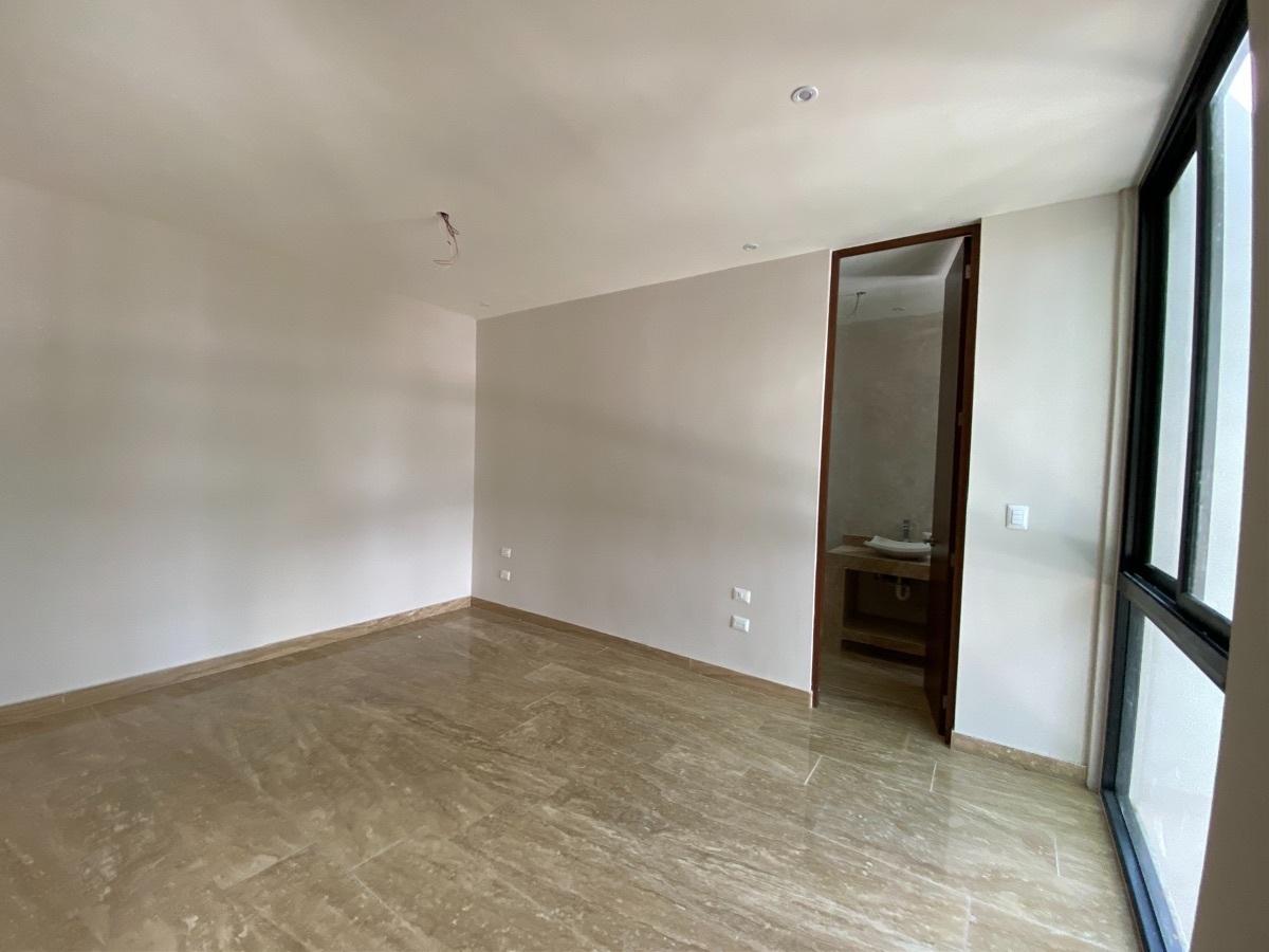 5 de 13: Segunda habitacion con baño y closet
