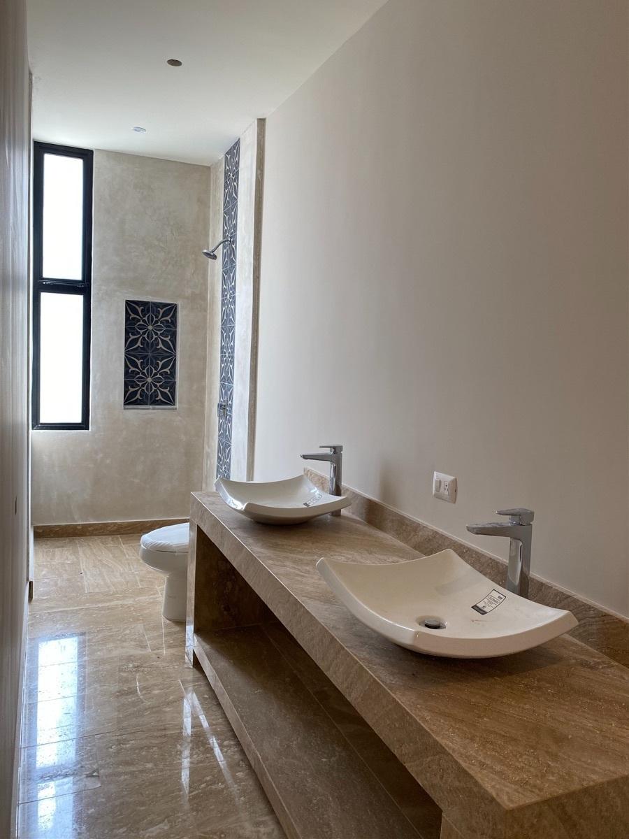 13 de 13: Baño habitacion principal