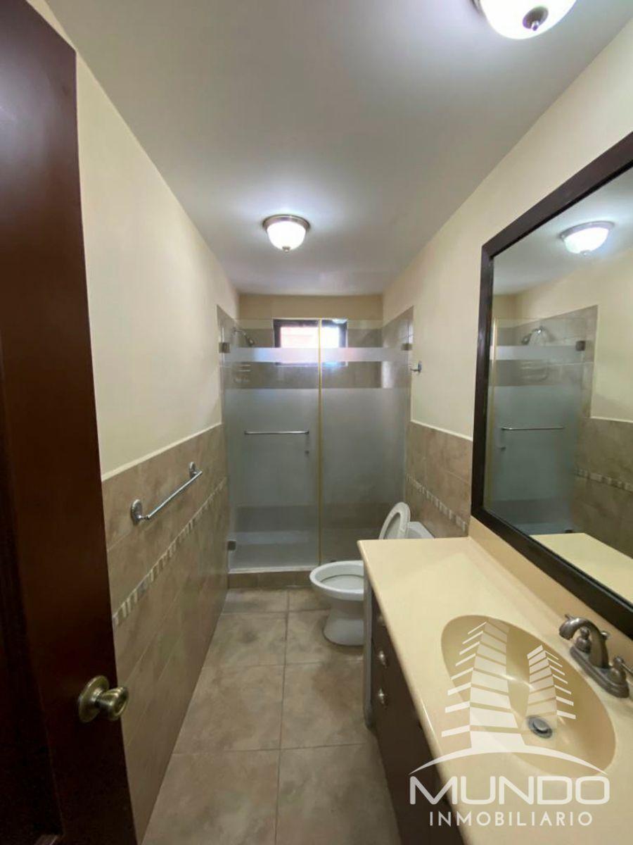 11 de 11: Baño de habitación máster