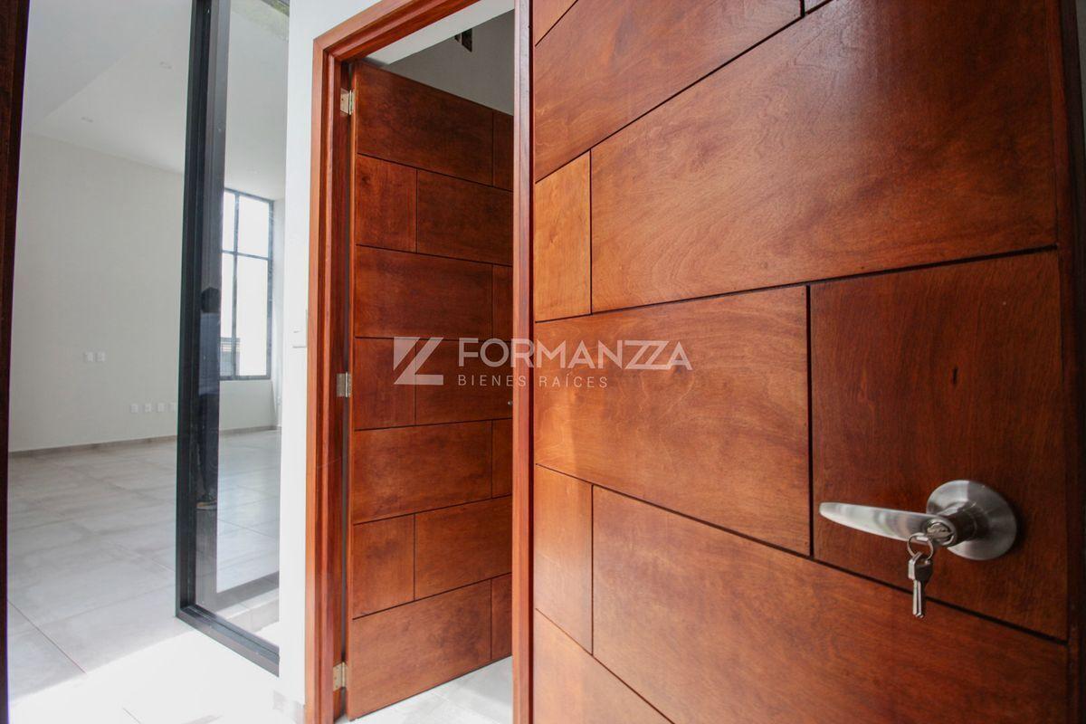 13 de 22: Vista de entrada a ambas habitaciones