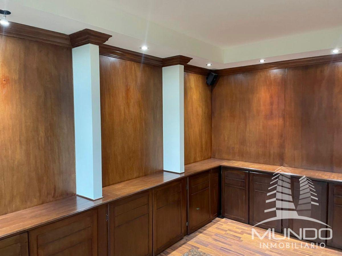 4 de 9: Muebles de madera tipo librera