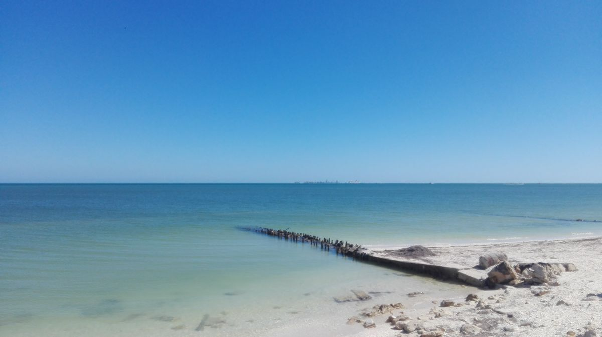 38 de 41: Club de playa