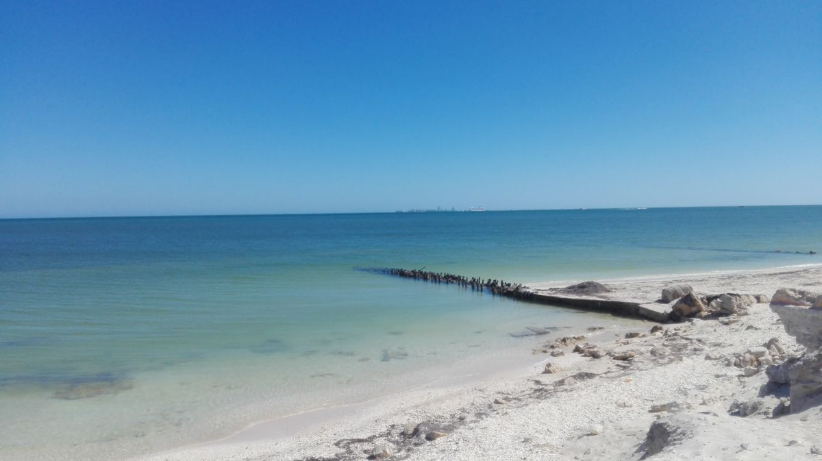 39 de 41: Club de playa