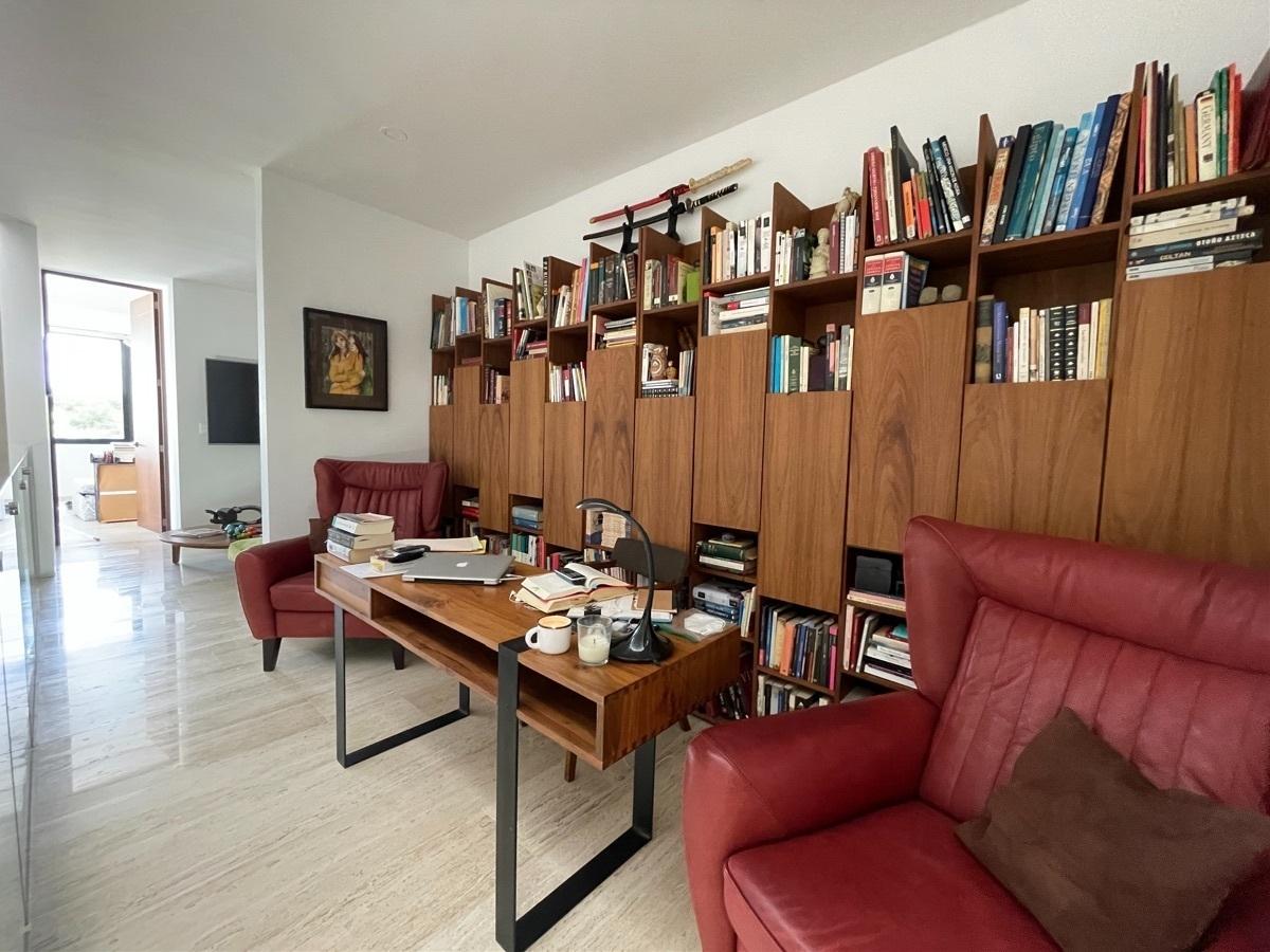 22 de 36: Area de oficina o estudio