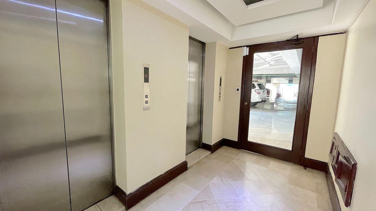 11 de 19: Edificio con 2 elevadores