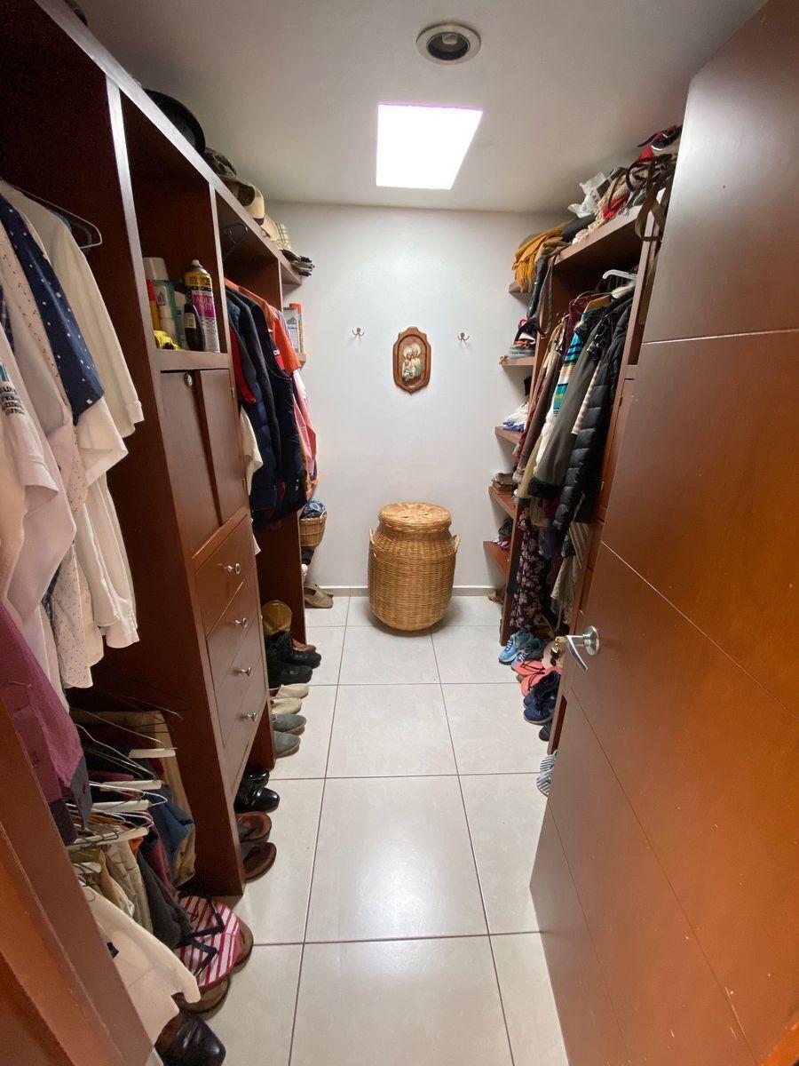 8 de 15: walking closet
