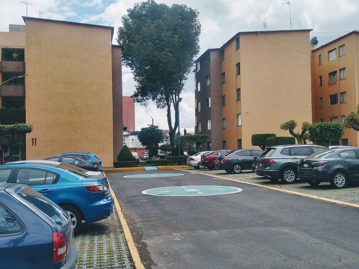 1 de 13: estacionamiento