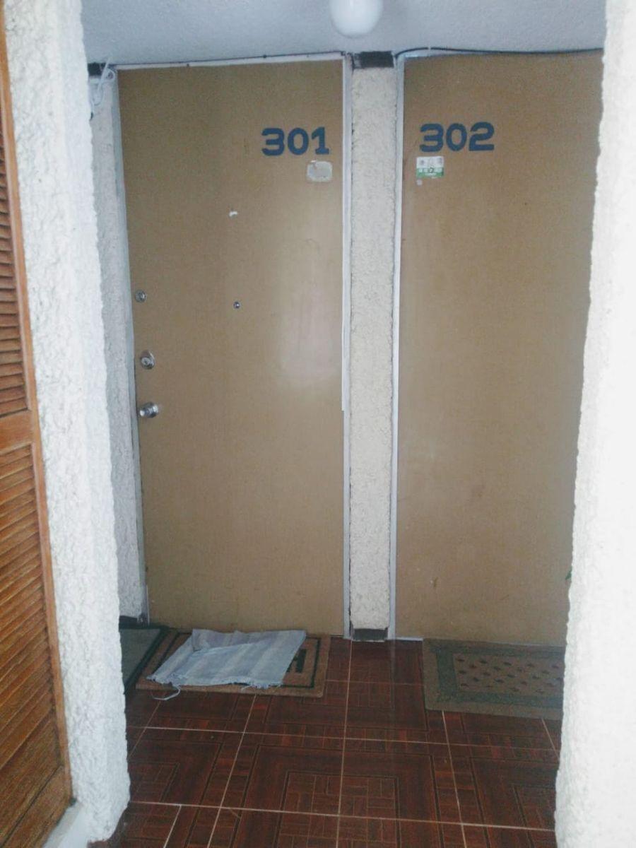 9 de 13: acceso al departamento
