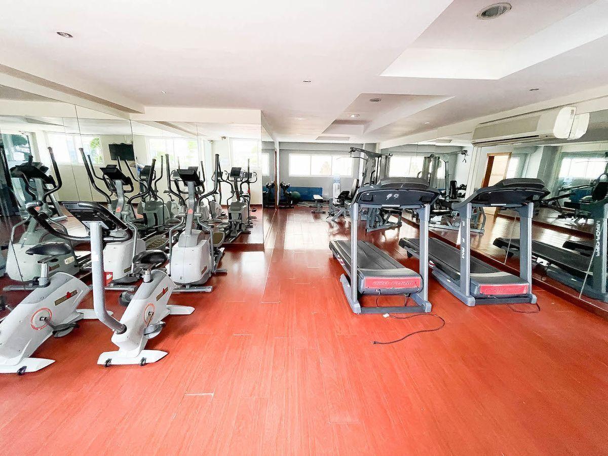 10 de 18: Area social - Gym