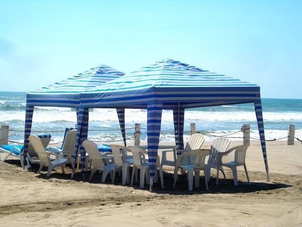 21 de 24: Mobiliario de playa