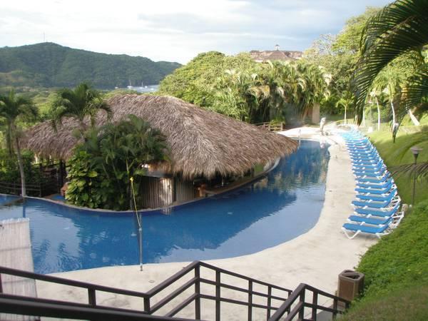 8 of 8: Resort Pool