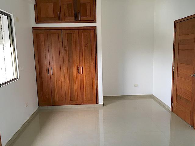 15 de 16: Habitación secundaria con closet