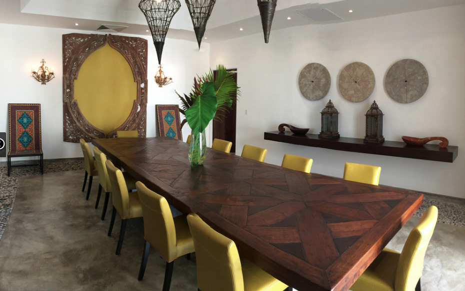 7 de 22: Dining space for 12 people