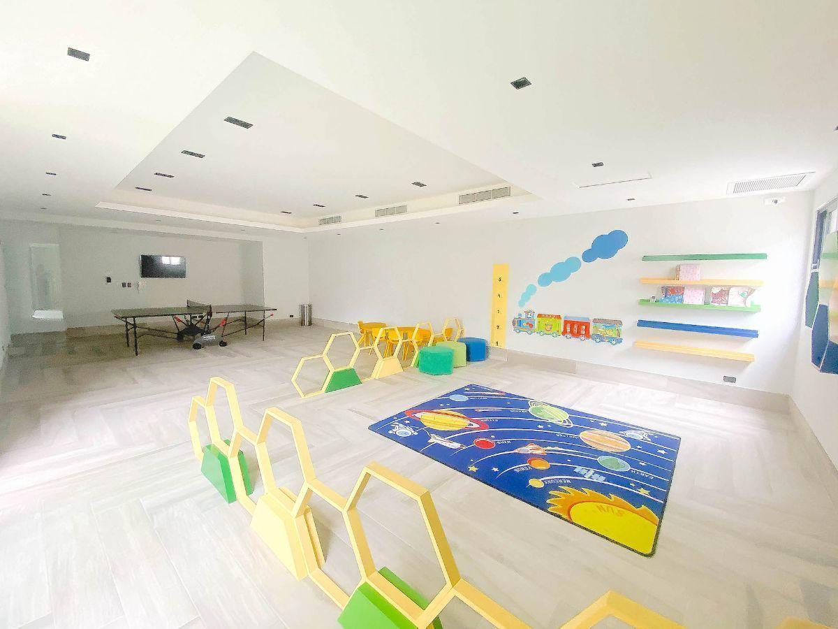 20 de 21: Salón de juego de niños y adultos
