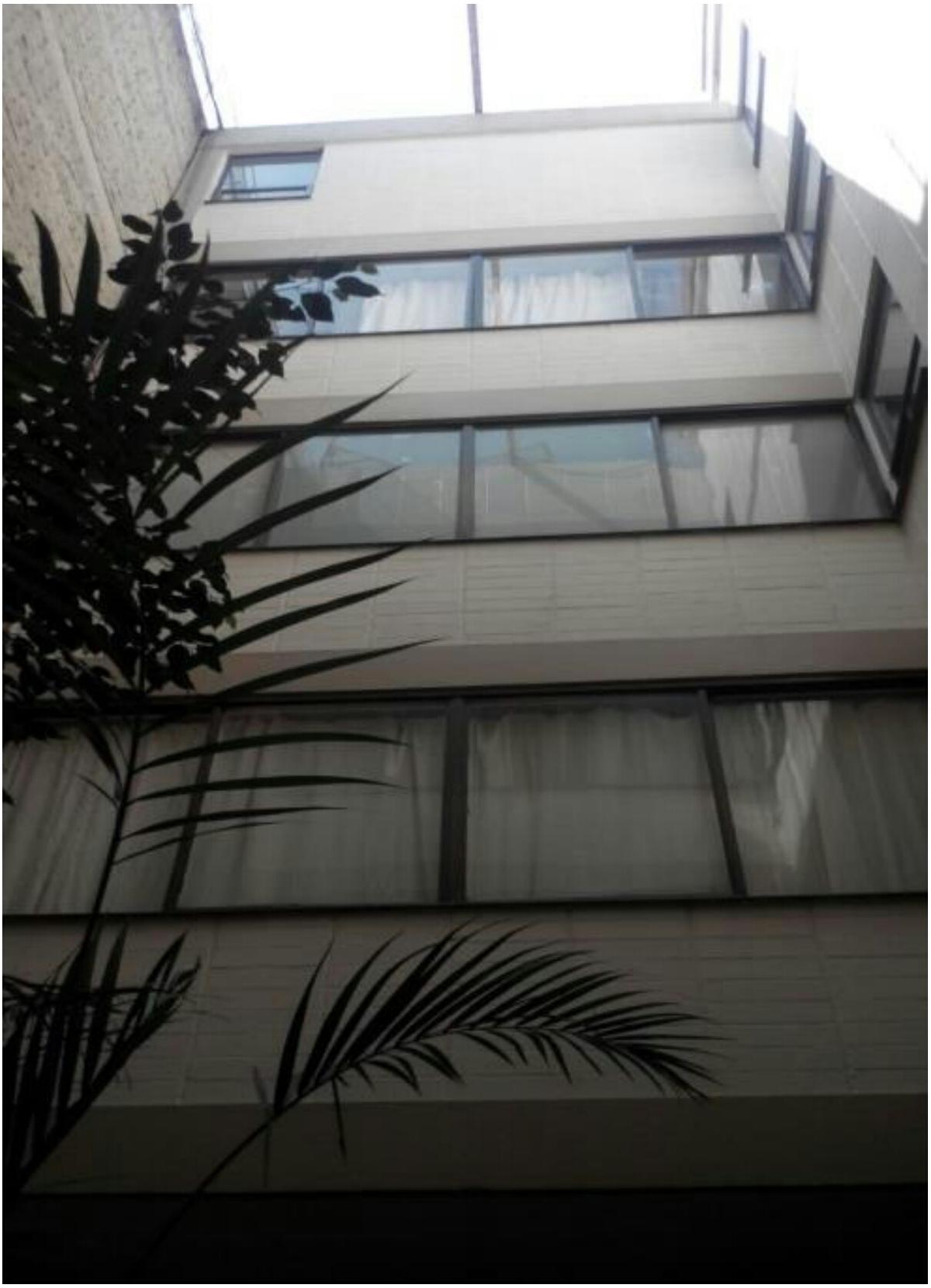 2 de 7: Interior del edificio