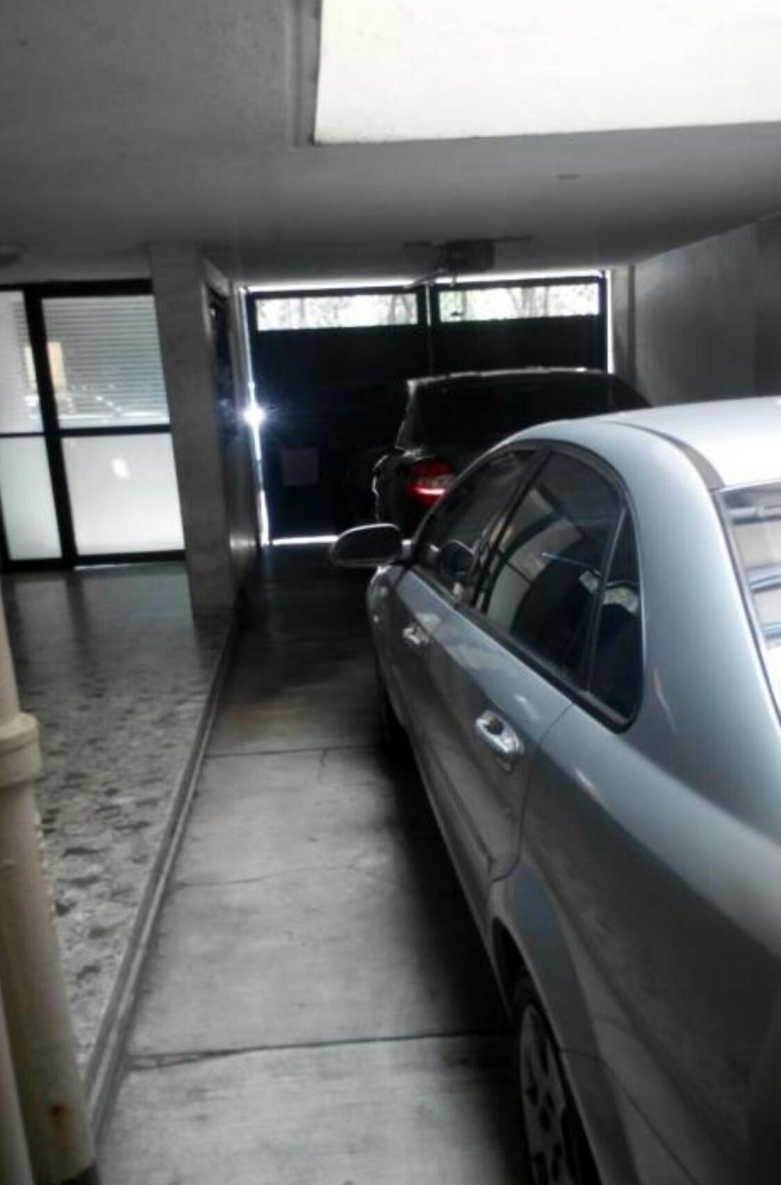 3 de 7: Estacionamiento