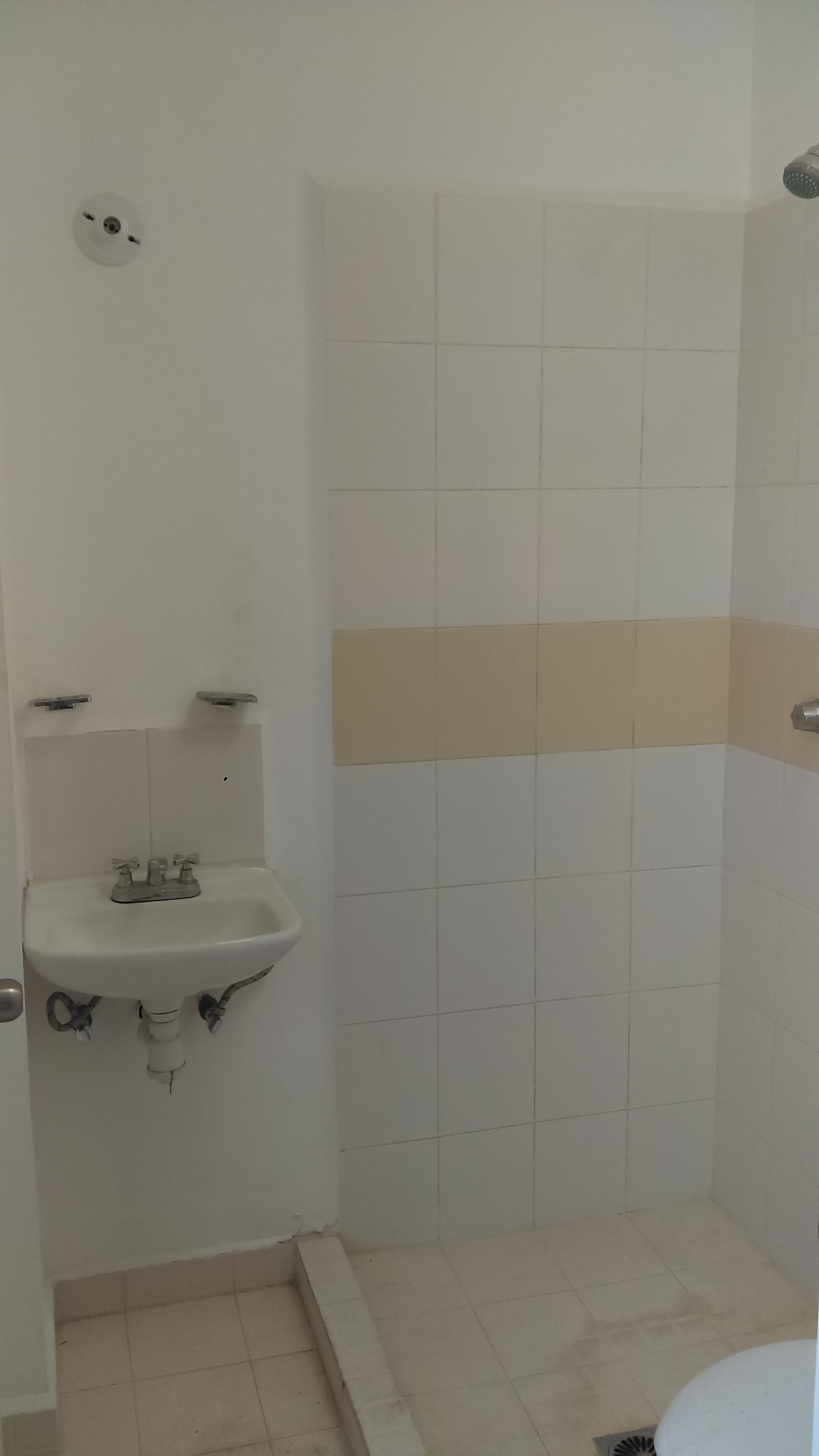 8 de 14: Baño (planta baja)
