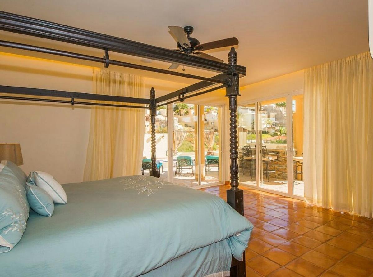 9 de 20: Master Bedroom 2, King Size Bed