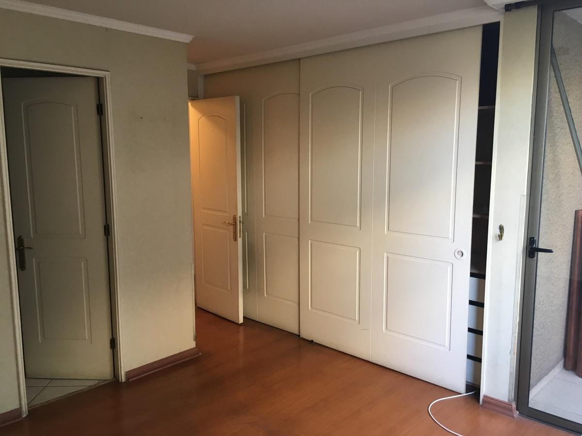 9 de 14: Dormitorio principal en suite