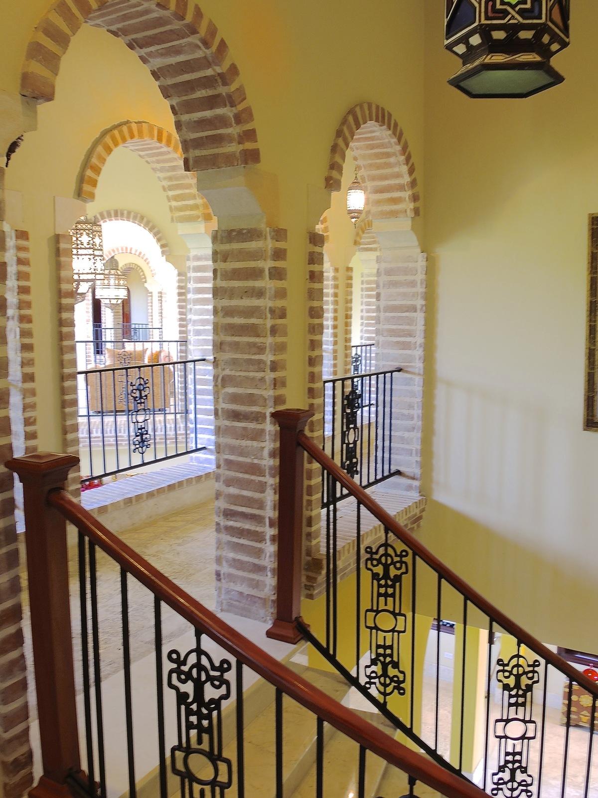 5 de 17: Escaleras y arcos