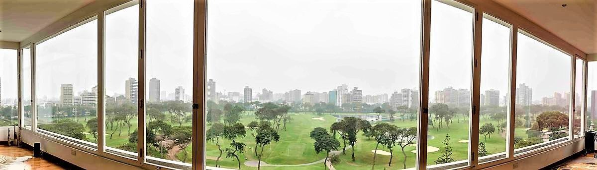 4 de 36: Sala Principal con vista casi infinita al golf