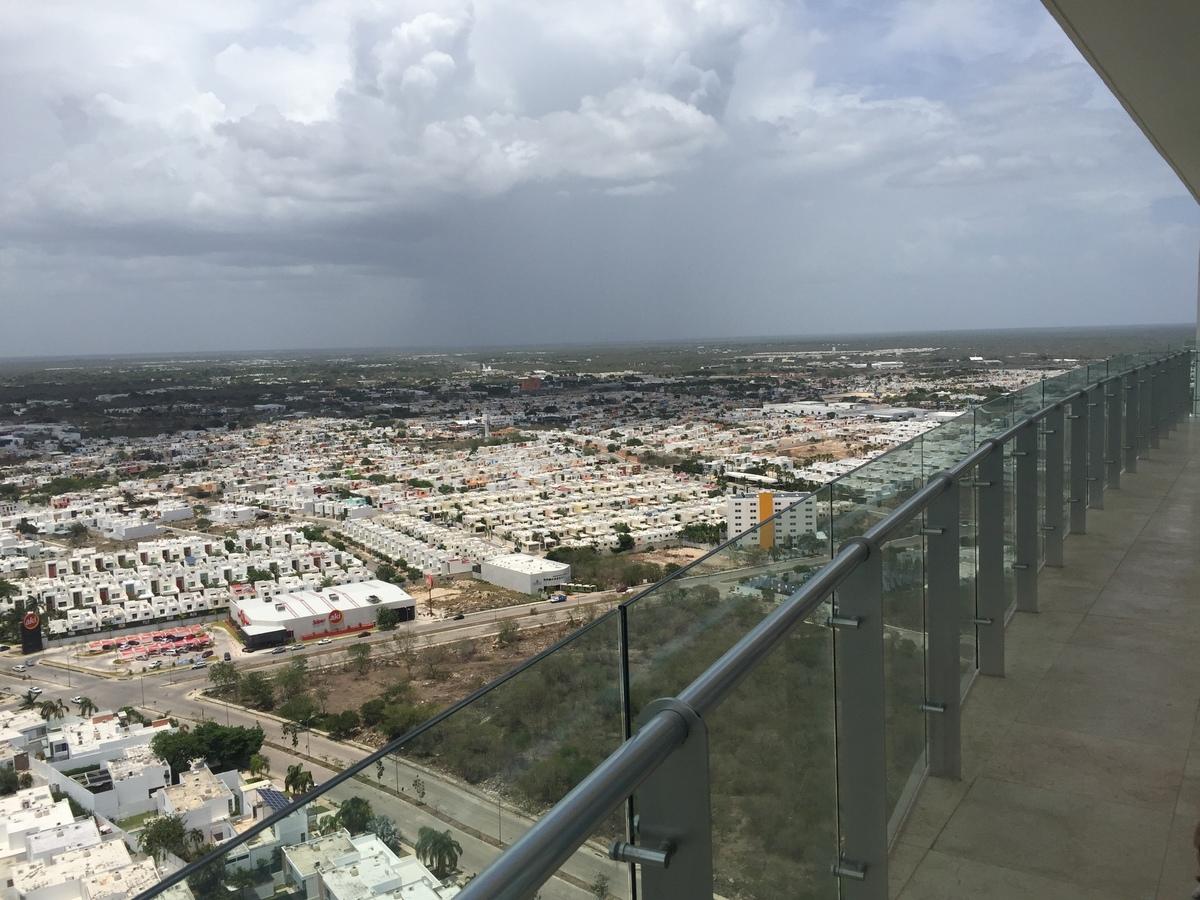 27 de 27: Balcón a lo largo del departamento con vistas espectaculares