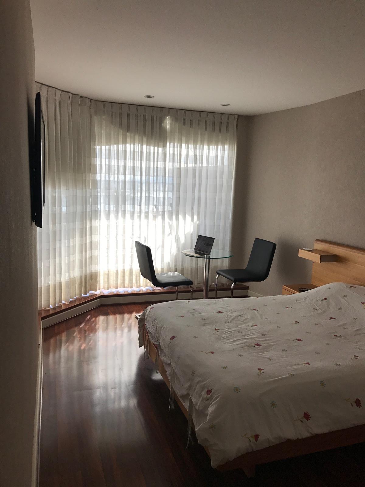 3 de 21: Dormitorio principal en suite.