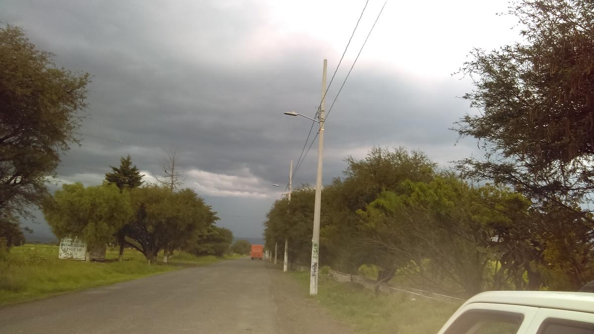5 de 6: Camino de entrada al pueblo.