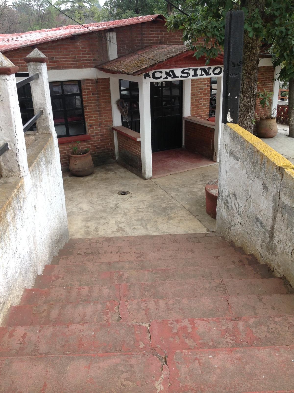 11 de 36: ESCALERAS DE ACCESO AL SALÓN DE BANQUETES