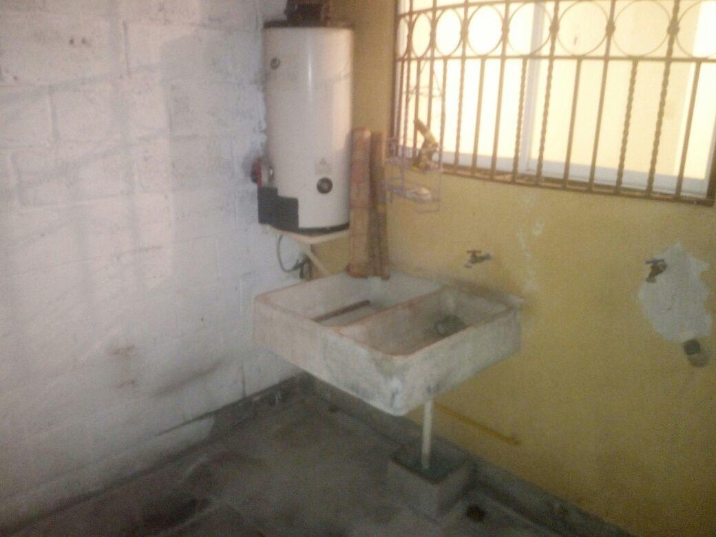 4 de 8: Patio de servicio (Área de lavado)