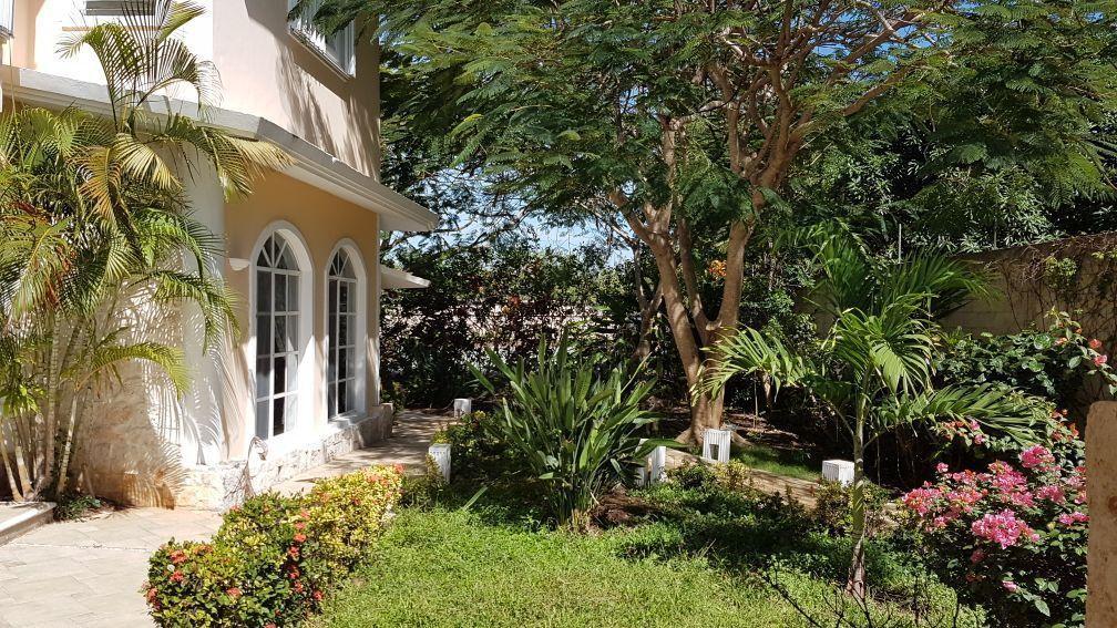 1 de 26: residencia amplia en venta bonfil