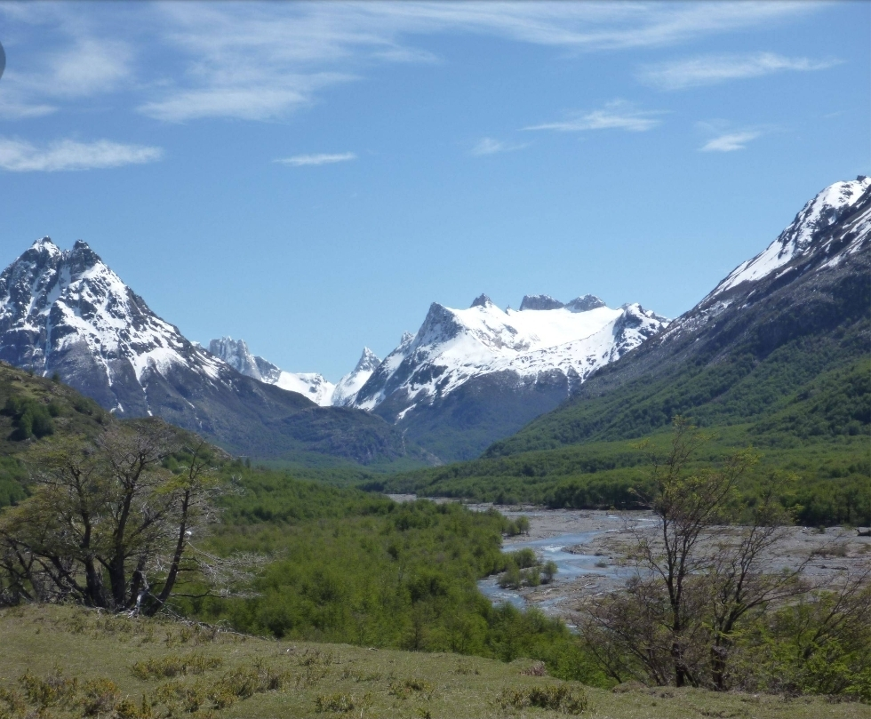 1 de 6: Vista desde El Lago General Carrera hacia el Valle del Rio A