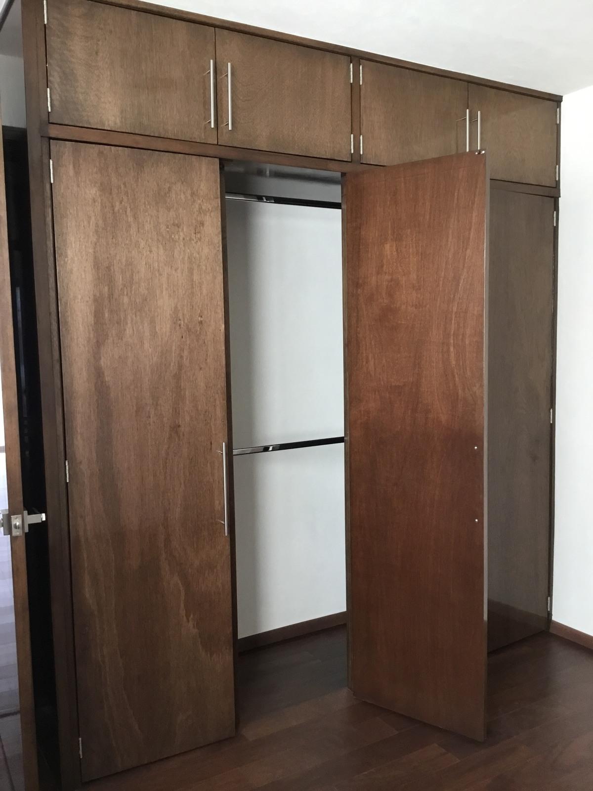 9 de 10: Closets Departamento muestra