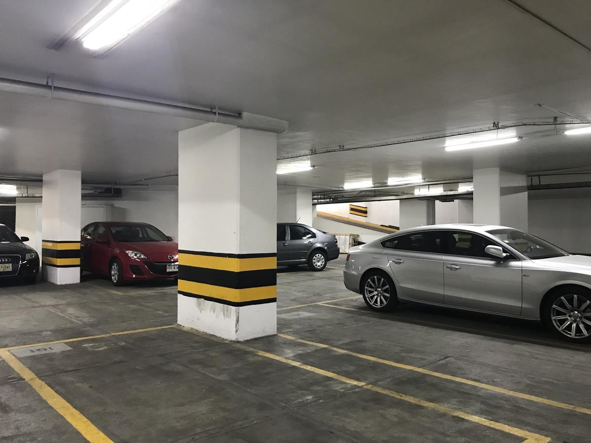 9 de 13: Estacionamientos techados