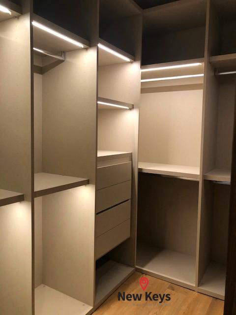 18 de 35: Closet de Luz Automática de la recámara Principal