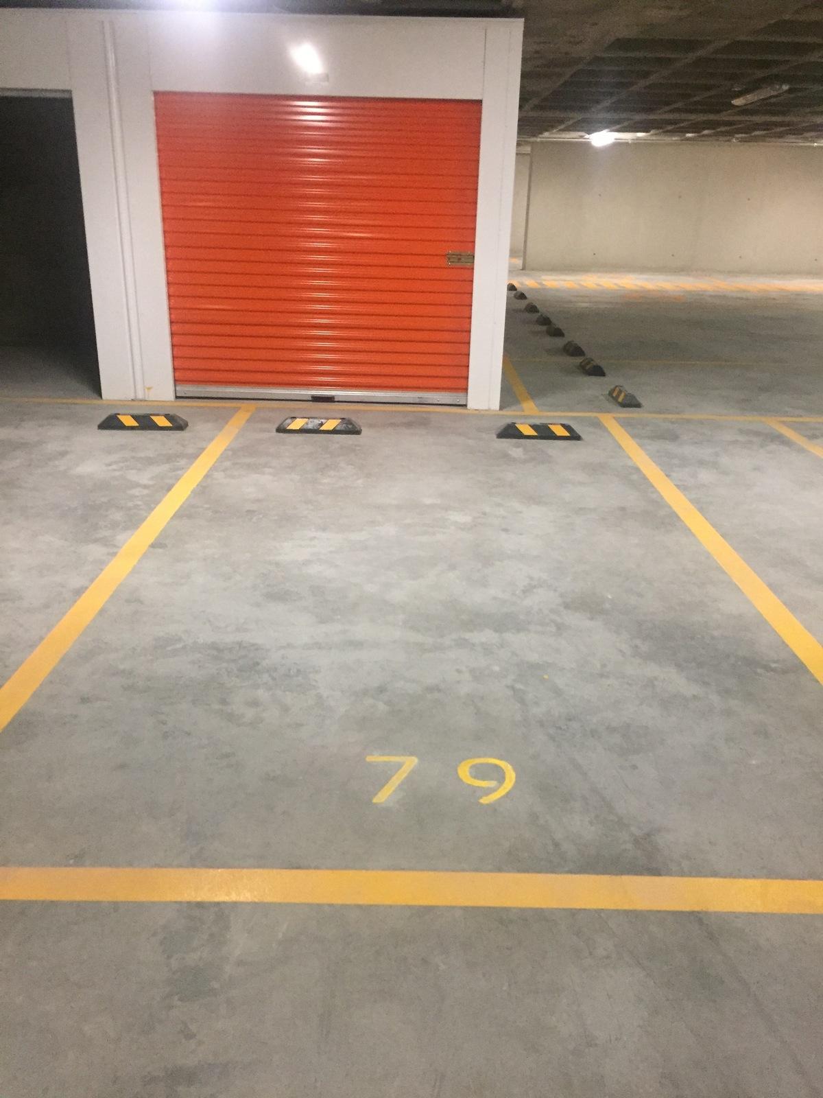 18 de 23: Estacionamiento