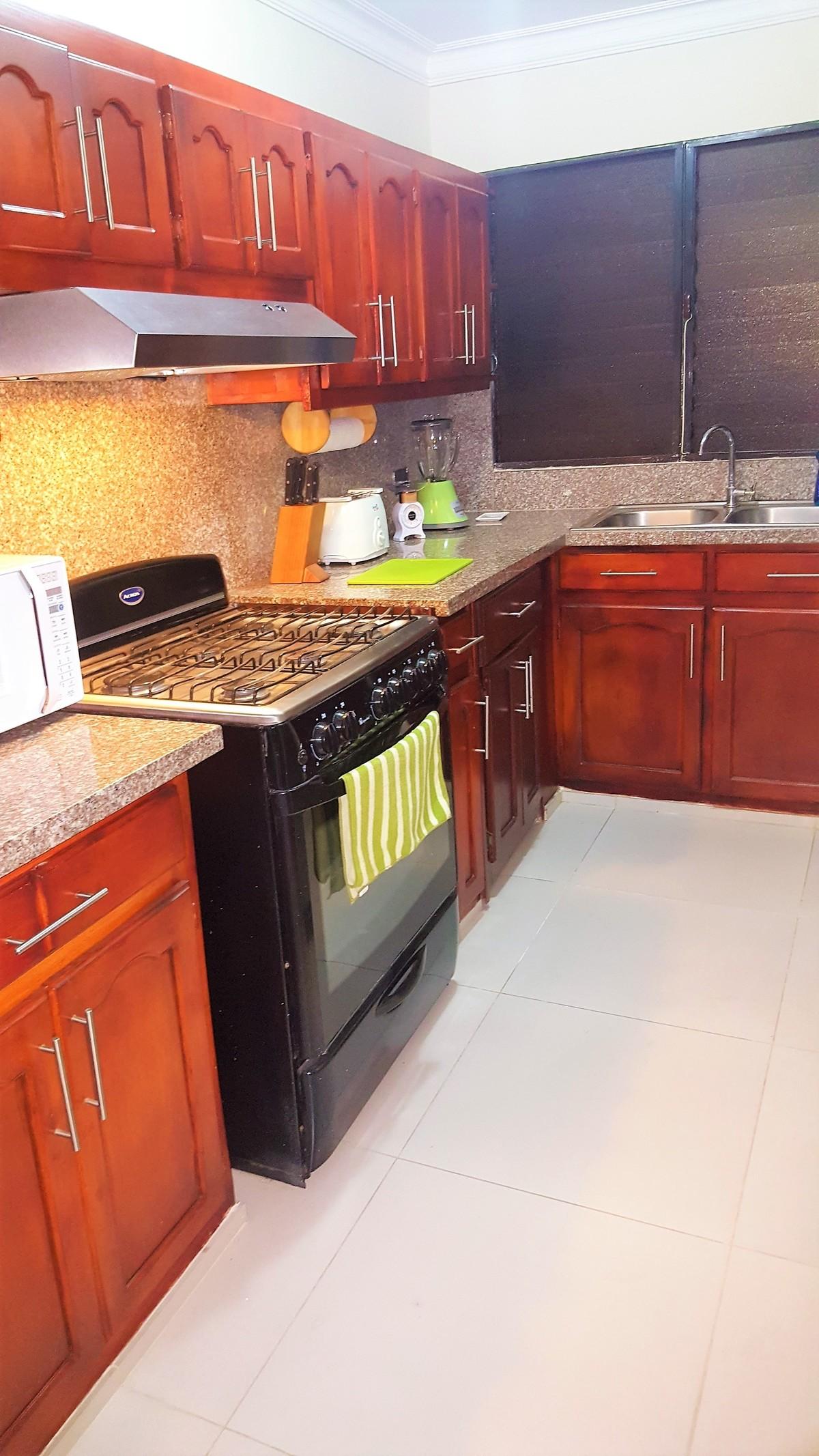 7 de 18: Cocina totalmente equipada: horno microhonda, tostadora, etc