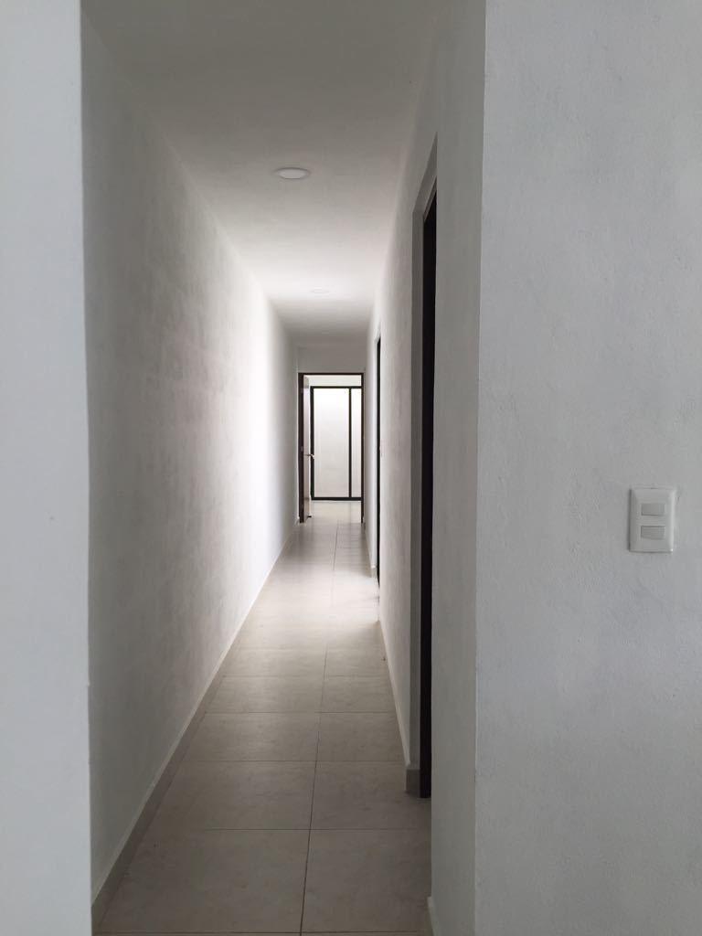 6 de 7: pasillo acceso a recámaras