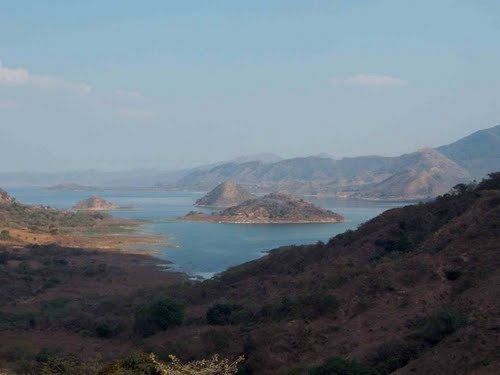 """3 de 11: Vista panoramica de el embalse de la presa """"La Angostura"""""""