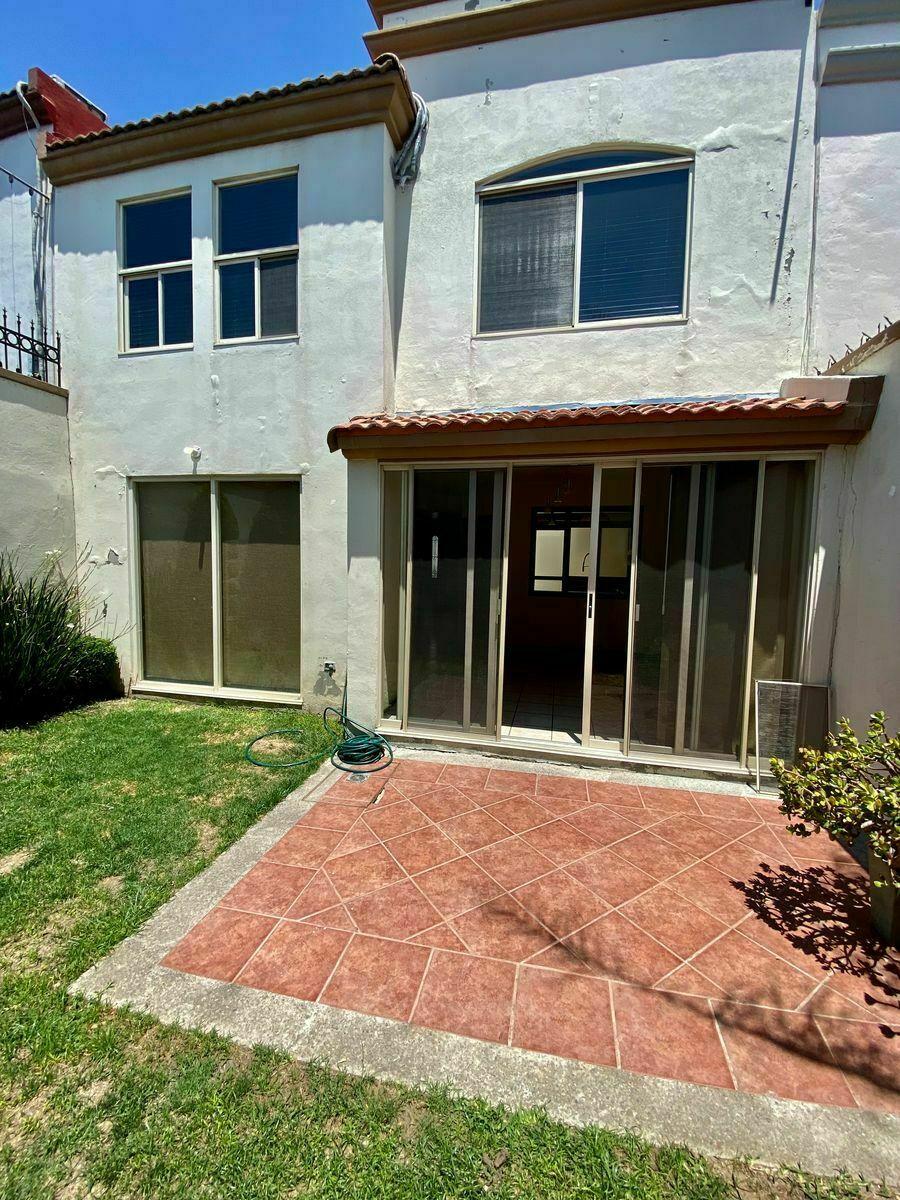25 de 40: Patio Trasero zuksa bienes raíces en Tijuana