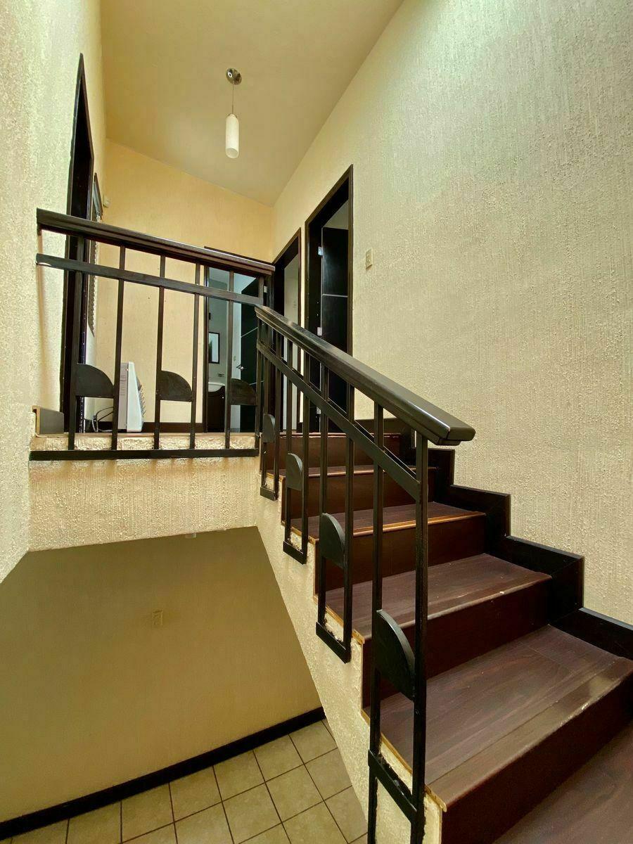 30 de 40: Escaleras  : zuksa bienes raíces en Tijuana