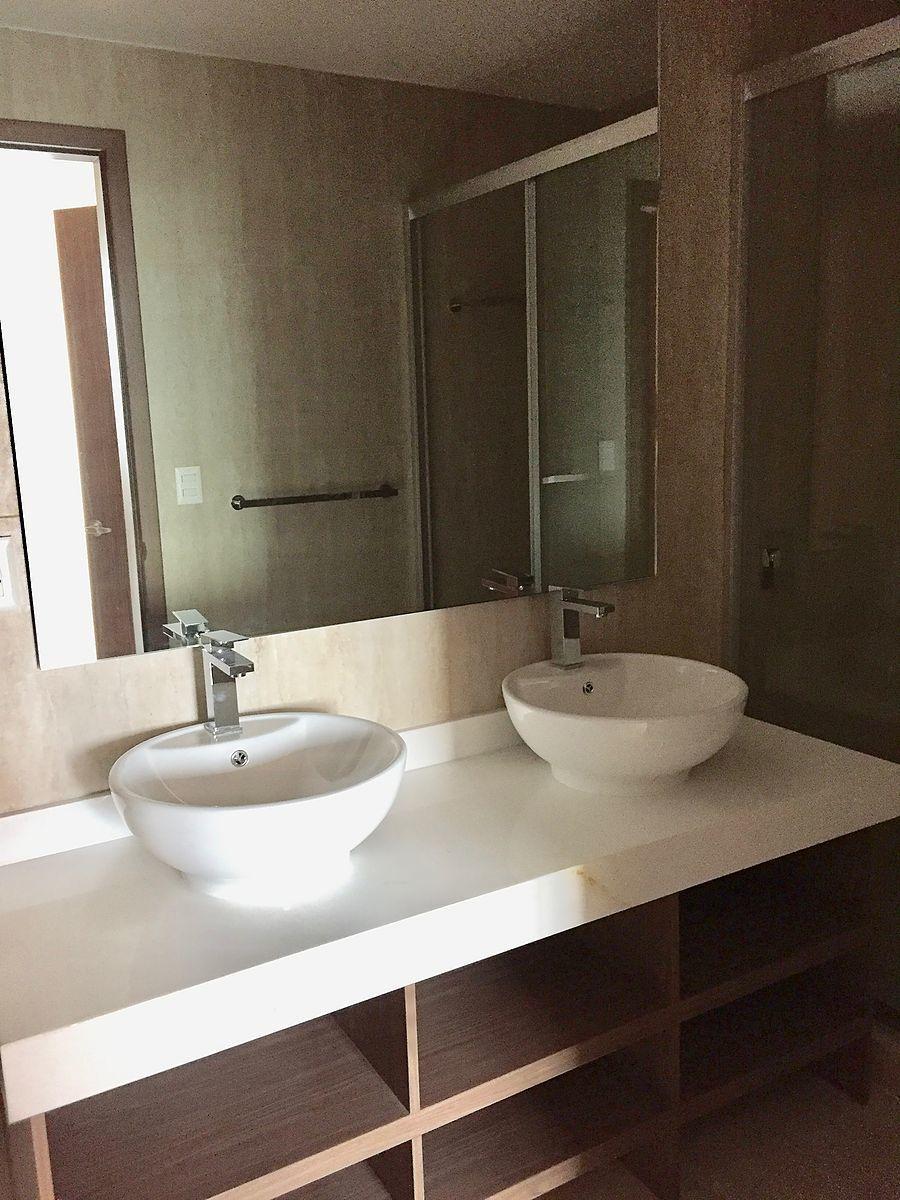 12 de 19: baño recámara principal