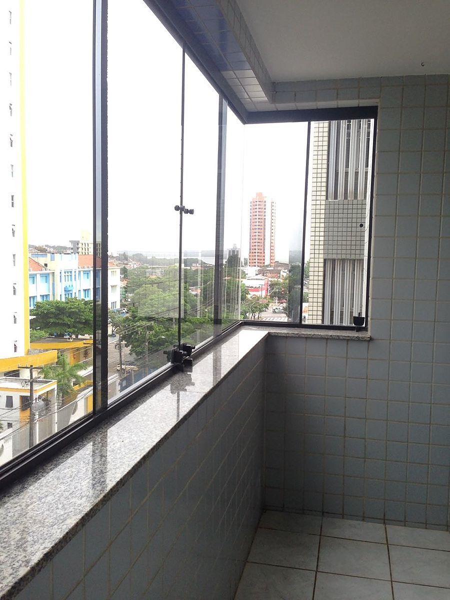 12 de 12: Varanda ampla do apartamento